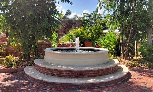 2018 new fountain in the courtyard