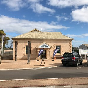 Visit the Streaky Bay Visitor Centre