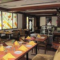 Maharaja Bar & Restaurant, Chowringhee, Kolkata.