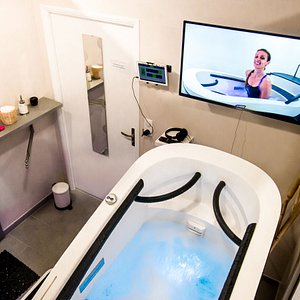 Bienvenue dans votre cabine d'Aquabike Individuelle. L'eau est à 30°C !