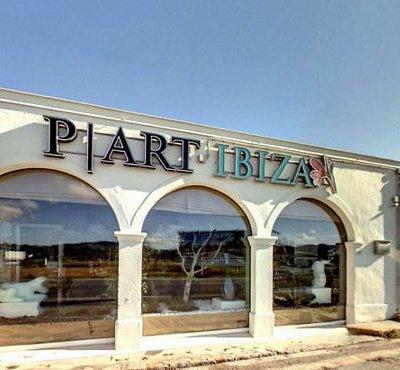 En P | Art Ibiza amamos la isla y todas sus tradiciones por ello os presentamos nuestra fachada.