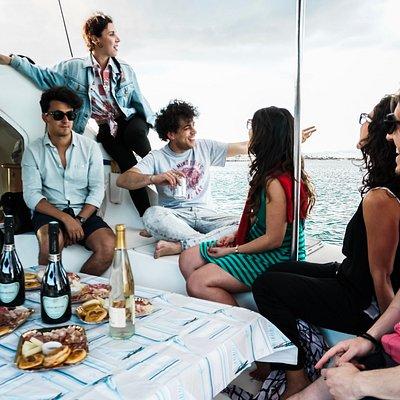 Sailboat tour to the Devil's Saddle / Escursione in barca a vela alla Sella del Diavolo