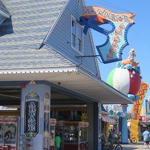 Front of Mariner's Arcade