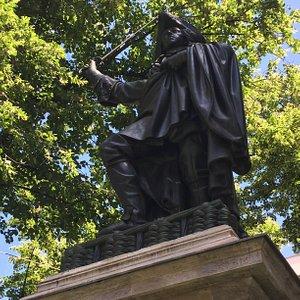 Denkmal fur Kurfurst Max Emanuel (2)