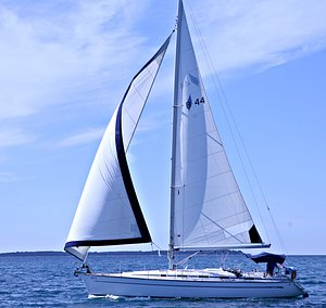 Rent a private sailing boat in Rovinj for a day trips from hotel Lone, Istra, Monte Mulini, Eden