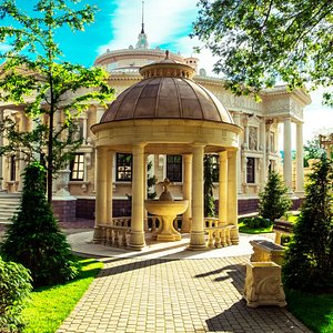 Театральная площадь Старого парка