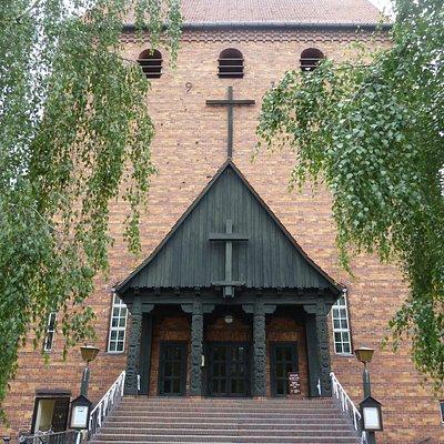 """Eingang zur """"offenen Kirche"""""""