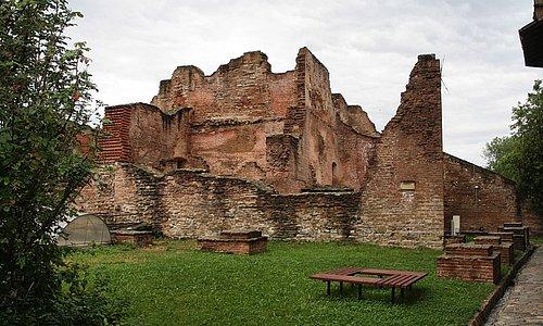 Resten van het paleis.