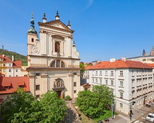 Exterior of the church of Our Lady Victorious (Infant jesus of Prague). Photo M. Špelda, 2018