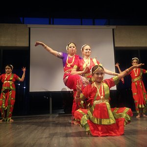 Dance tour with 'Culture Globe'.