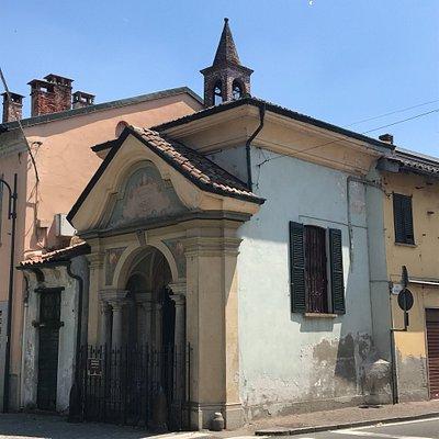 Chiesa minuscola