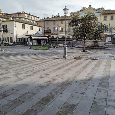 Piazza IV Novembre in Bracciano
