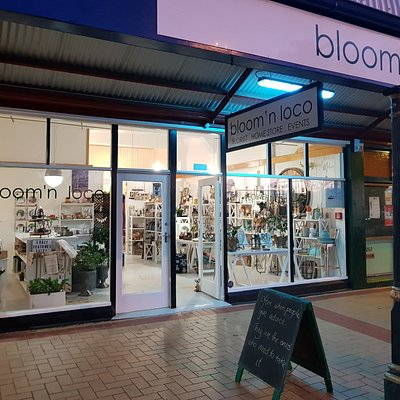 bloom 'n loco stays open until 5.15pm during the week