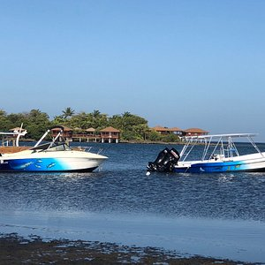 "Roatan Dreamcatchers boats ""Golden Boyz"" and ""Larimar"""