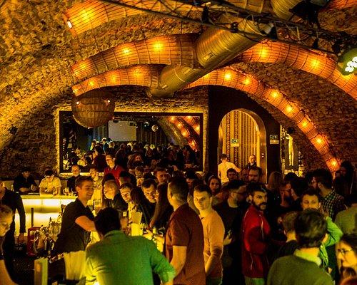 Nebe cocktail & music bar - Kremencova