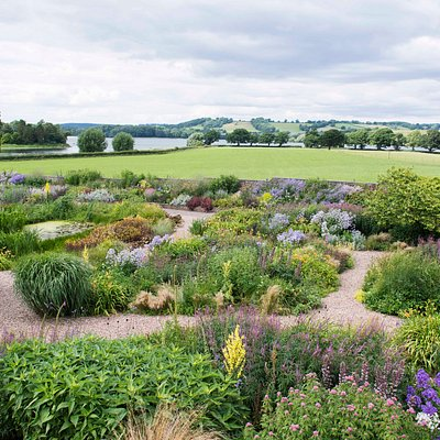Gravel Garden with Bladgon Lake view