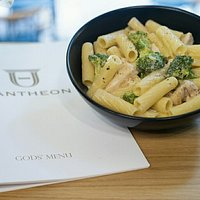 Rigatoni con pollo e broccoli! Classic italian recipe at Pantheon!