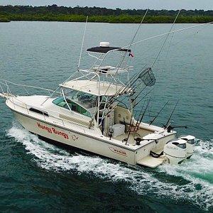 Hungy Bungy, our custom Boston Whaler express sportfishing machine