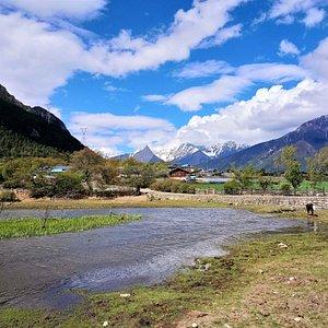 嘎朗王宫下的小村莊
