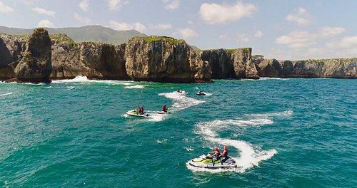 Ruta de motos de agua por los acantilados