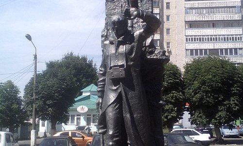 Памятник ликвидаторам аварии на Чернобыльской АЭС в г. Железногорске