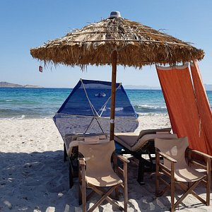 Happy flamingo beach, happy and friendly customer service, relaxing atmosphere with smiley faces