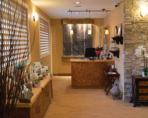 Elements by the Sea - Front Desk
