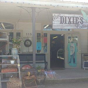Mias Dixie's cottage