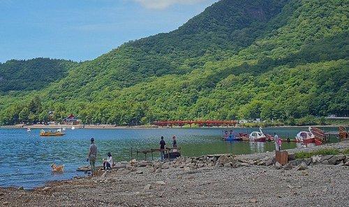 大沼:ボート遊びを楽しむ人もいました