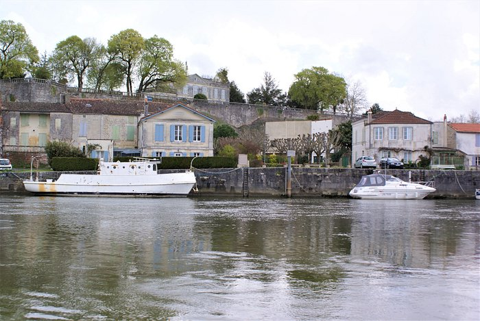 Rivers Edge in Taillebourg