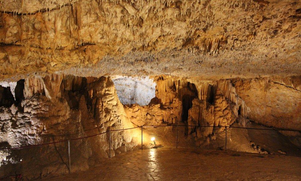 V jeskyni/In the cave