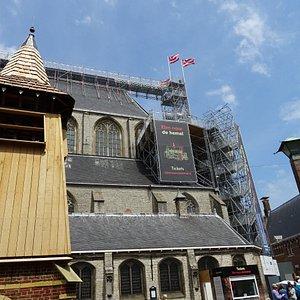 """Alkmaar""""De klim naar de Hemel""""naar dak Grote Kerk"""