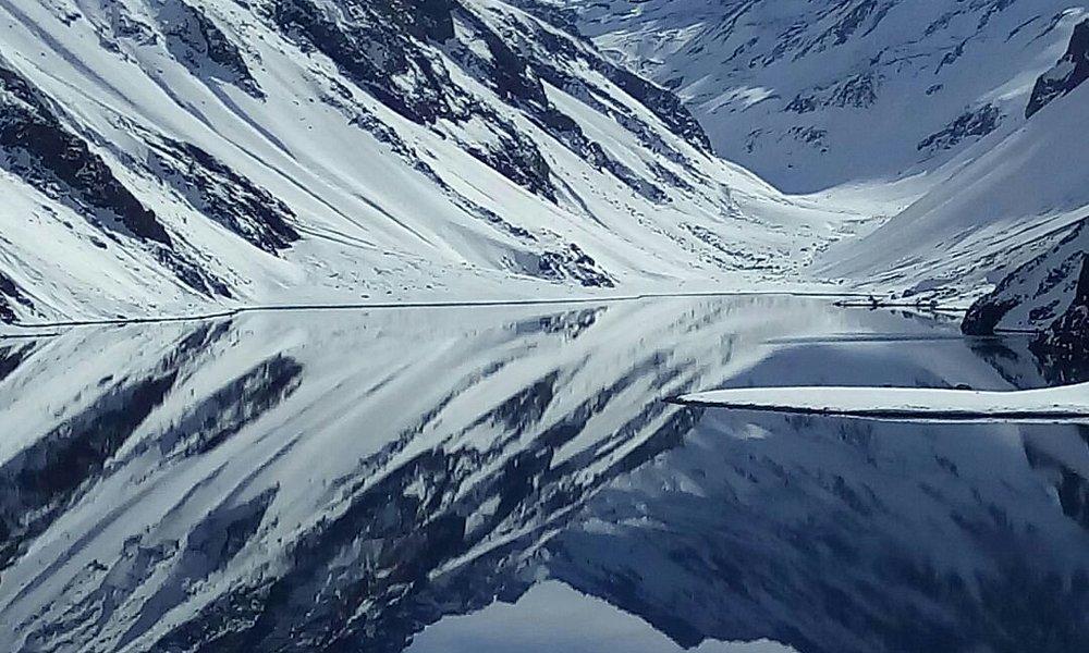 Este es el lago del inca un lugar lleno de historia mitología y paisajes