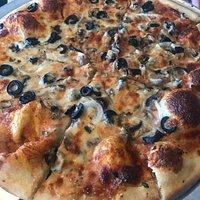 Medium Mushroom, Onion & Black Olive Pizza