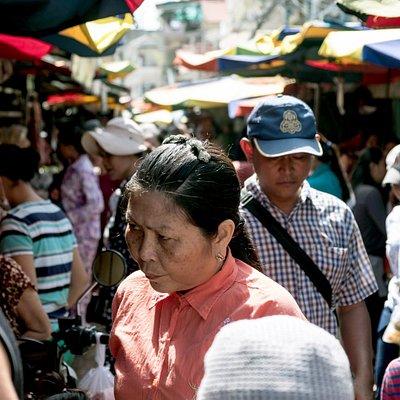 Local market tour - Visite du marche local