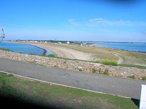 l'isthme de Penthièvre, vu du Fort. Baie du Morbihan à droite, océan à gauche