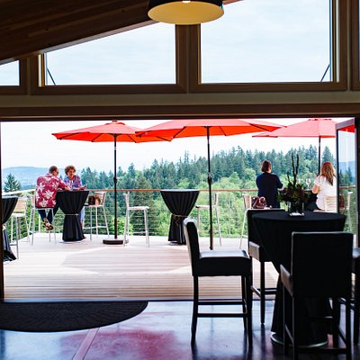 Experience Oregon Wine Country at its finest with award-winning Pinot Noir, Pinot Gris & Chardon