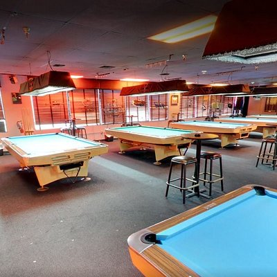 Full Bar Pool Billiards Fun in Kendall South Miami Florida