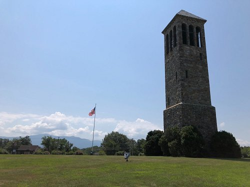 The tower and flag showing the openness of the space