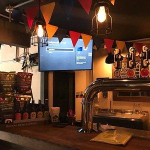 Excelente ambiente para disfrutar una buena cerveza artesanal!