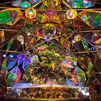 金魚ミュージアム ルーム6 宇宙をイメージしたステンドグラスのテラリウム