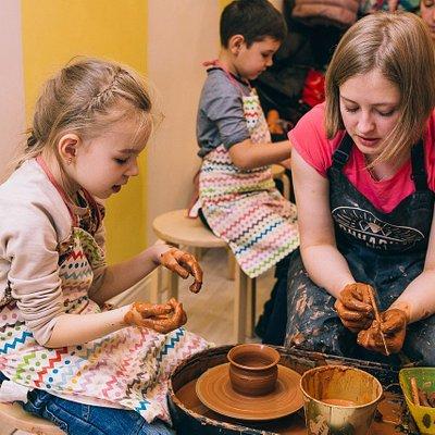 Мастер-класс по гончарному делу и лепке, романтические свидания, праздники для детей и взрослых