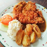 Crispy Chicken Chop with Black Pepper Sauce