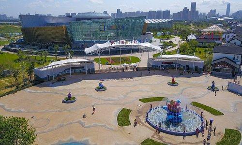 日照海洋公园正门(碧海路185号万平口四号门西)