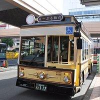 仙台駅前に停車中です