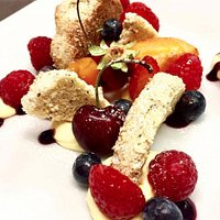 Crostata scomposta di frutta fresca