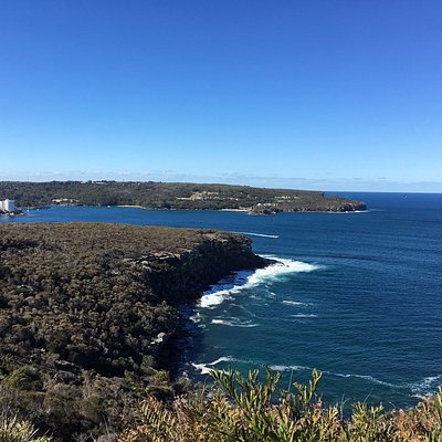 Dobroyd Head to the Grotto Point Lighthouse Scenic Walk
