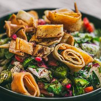 Fattoush Salad With Crispy Bread