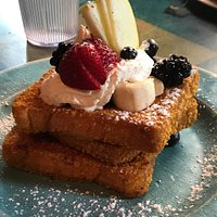 The signature Captain Crunch French toast.