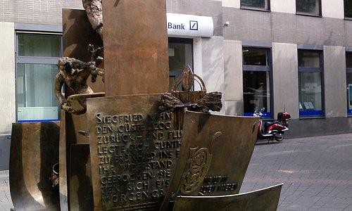 Der Moderne Siegfried - Brunnen.